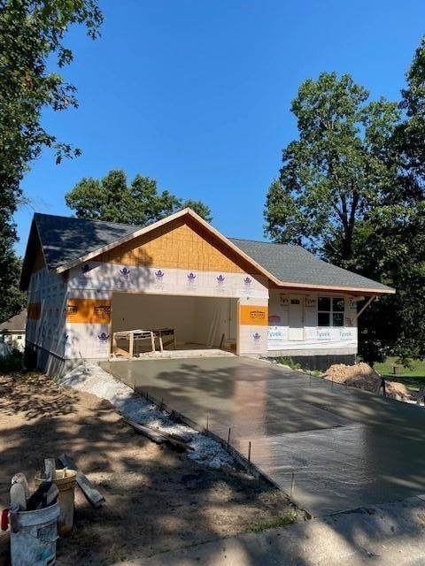 1700 Sally Ann, Neosho, MO 64850 (MLS #60171007) :: The Real Estate Riders