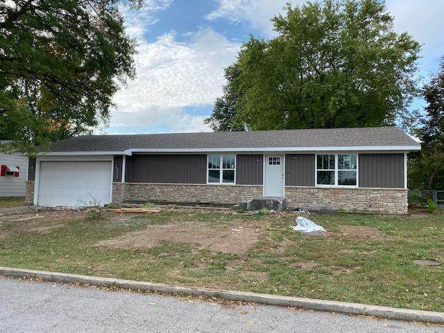 411 E Sloan Avenue, Mt Vernon, MO 65712 (MLS #60173119) :: Team Real Estate - Springfield