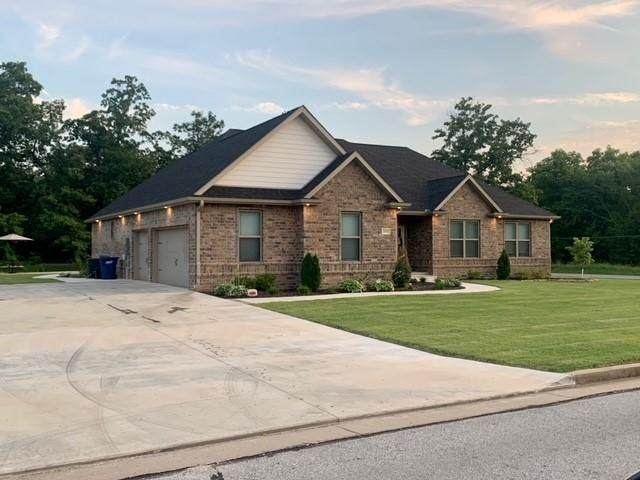 2112 Michaela Drive, Webb City, MO 64870 (MLS #60195937) :: The Real Estate Riders