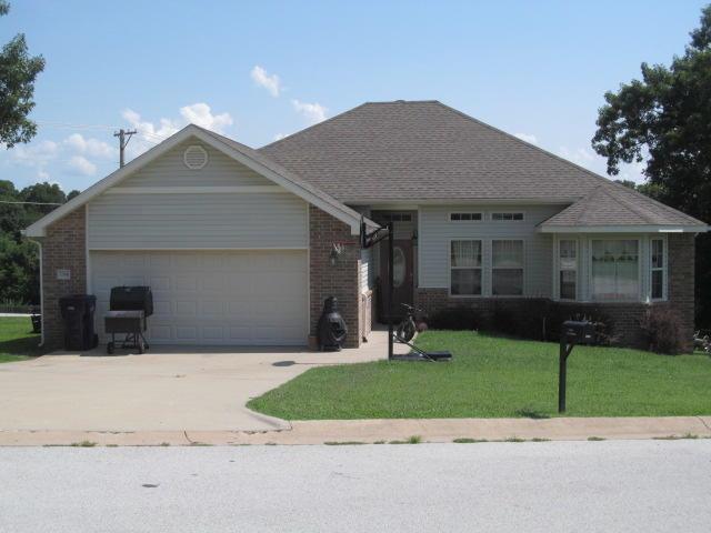 1704 Rosewood Drive, Neosho, MO 64850 (MLS #60116199) :: Good Life Realty of Missouri