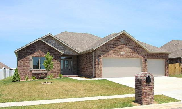 3563 W Whiteside Street, Springfield, MO 65807 (MLS #60157354) :: Clay & Clay Real Estate Team