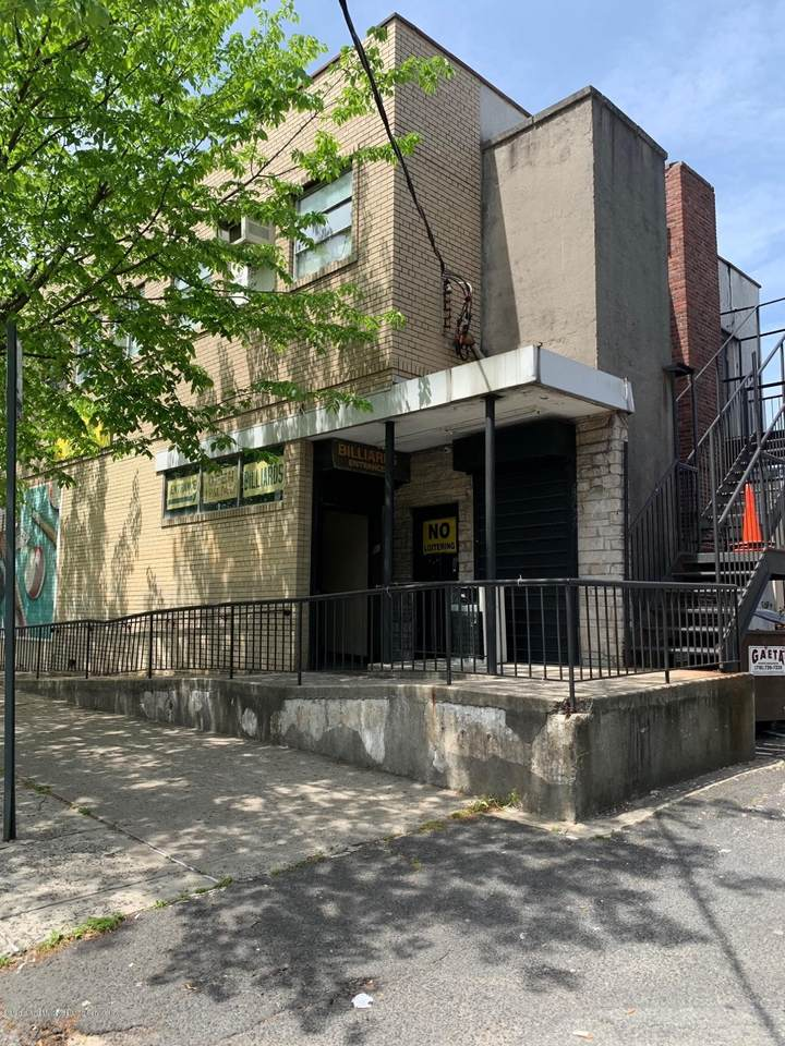 319 Clawson Street - Photo 1