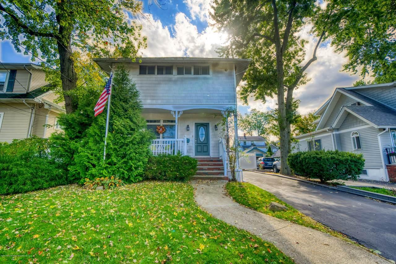 134 Cedarview Avenue - Photo 1