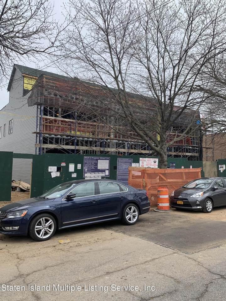 301 Cromwell Avenue - Photo 1
