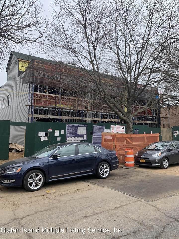 299 Cromwell Avenue - Photo 1