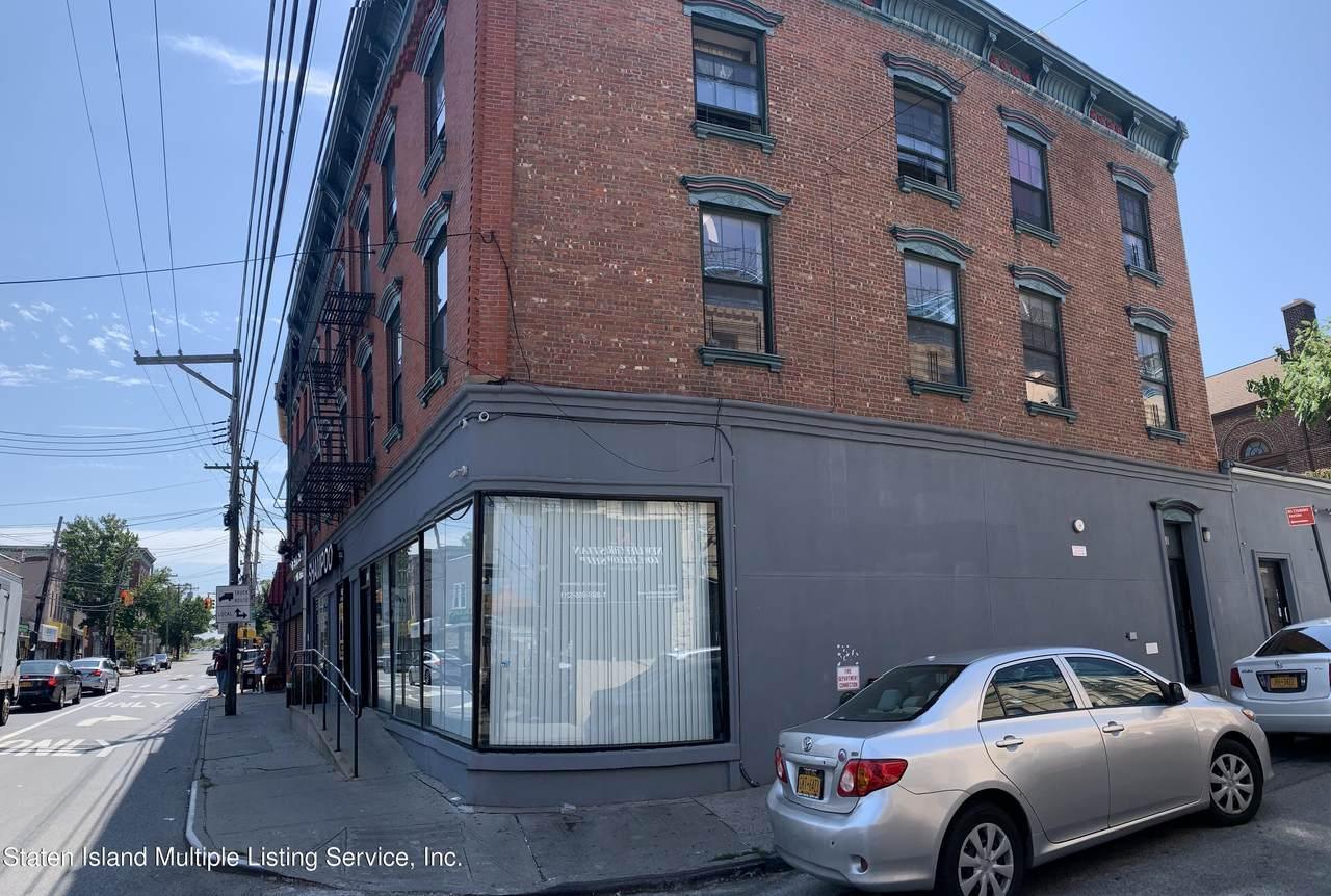 660 Bay Street - Photo 1