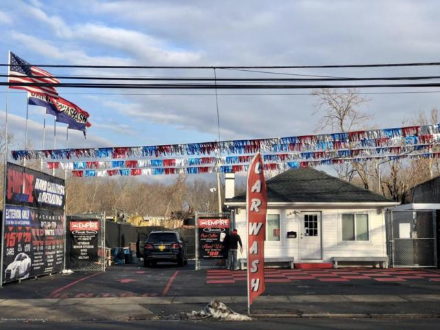 2409 Forest Avenue, Staten Island, NY 10303 (MLS #1115683) :: The Napolitano Team at RE/MAX Edge
