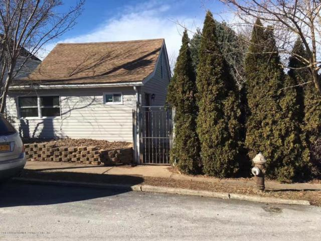 422 Neckar Avenue, Staten Island, NY 10304 (MLS #1116308) :: The Napolitano Team at RE/MAX Edge