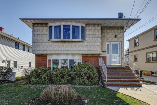 152 Manila Avenue, Staten Island, NY 10306 (MLS #1117177) :: The Napolitano Team at RE/MAX Edge