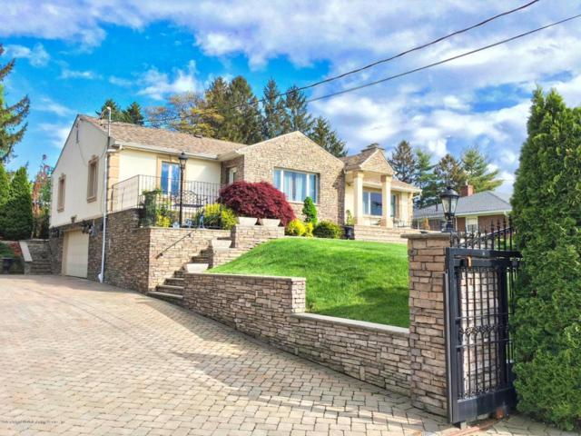 1073 Todt Hill Road, Staten Island, NY 10304 (MLS #1117658) :: The Napolitano Team at RE/MAX Edge