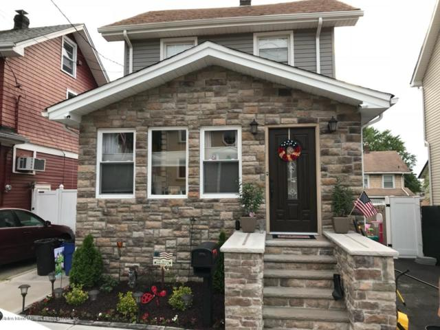 8 Sommers Lane, Staten Island, NY 10314 (MLS #1127699) :: RE/MAX Edge