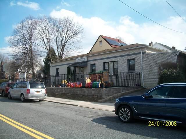140 Harvest Avenue, Staten Island, NY 10310 (MLS #1136135) :: RE/MAX Edge
