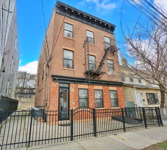 220 Targee Street, Staten Island, NY 10304 (MLS #1136776) :: RE/MAX Edge