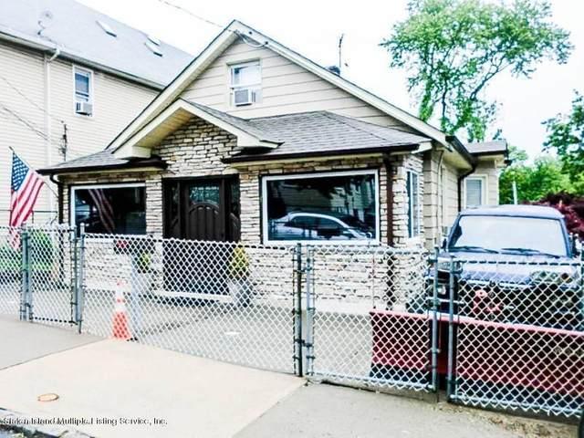 452 Home Avenue, Staten Island, NY 10305 (MLS #1137073) :: Team Pagano