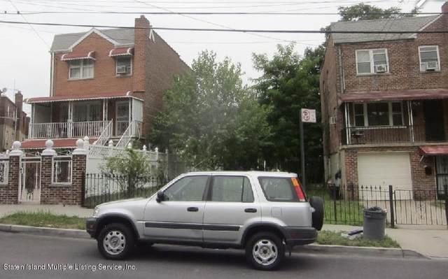 1131 E 219th Street, Bronx, NY 10469 (MLS #1137229) :: RE/MAX Edge