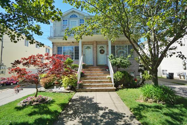 84 Pitney Avenue, Staten Island, NY 10309 (MLS #1137351) :: Team Gio | RE/MAX