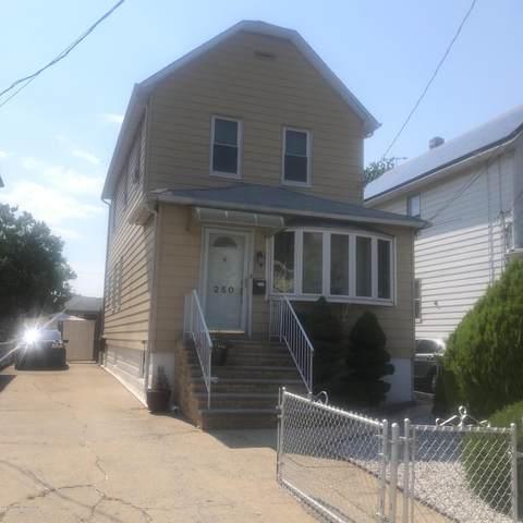 250 Van Pelt Avenue, Staten Island, NY 10303 (MLS #1138207) :: RE/MAX Edge