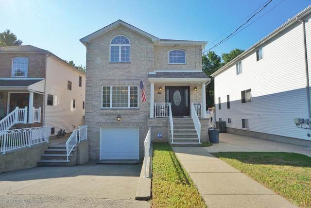 82 Bedell Street, Staten Island, NY 10309 (MLS #1140020) :: Team Gio | RE/MAX