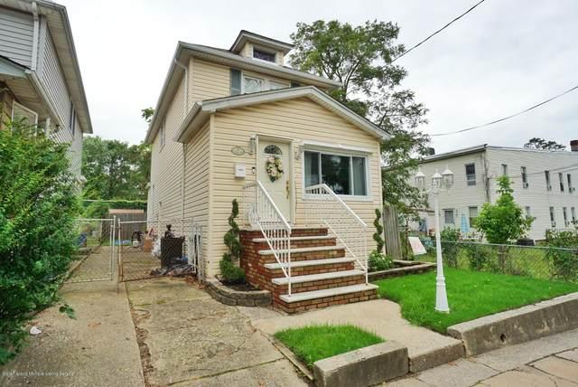 110 Fisher Avenue, Staten Island, NY 10307 (MLS #1140484) :: Team Gio | RE/MAX