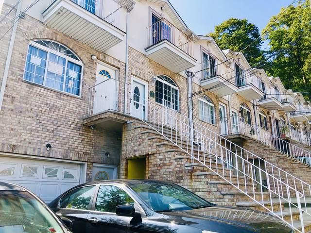 22 Jake Court #2, Staten Island, NY 10304 (MLS #1140789) :: Team Gio   RE/MAX