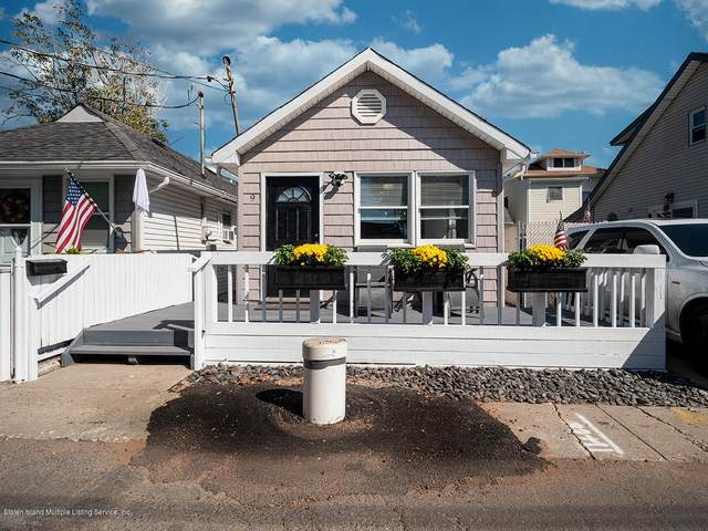9 Center Place, Staten Island, NY 10306 (MLS #1141440) :: Team Gio | RE/MAX