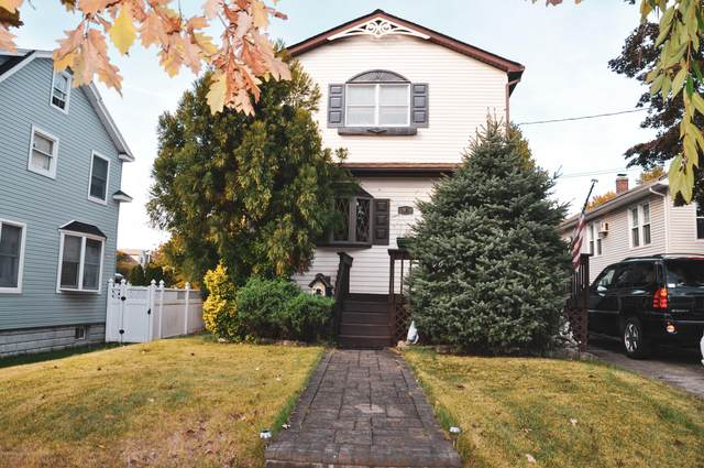 95 Station Ave Avenue, Staten Island, NY 10309 (MLS #1141668) :: Team Gio | RE/MAX