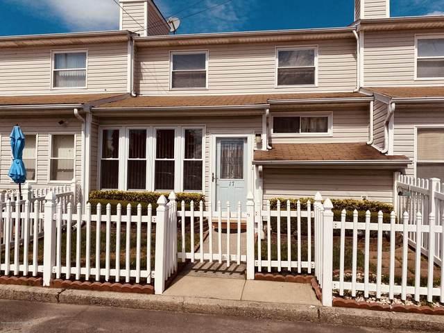 17 Anita Street, Staten Island, NY 10314 (MLS #1141789) :: Laurie Savino Realtor