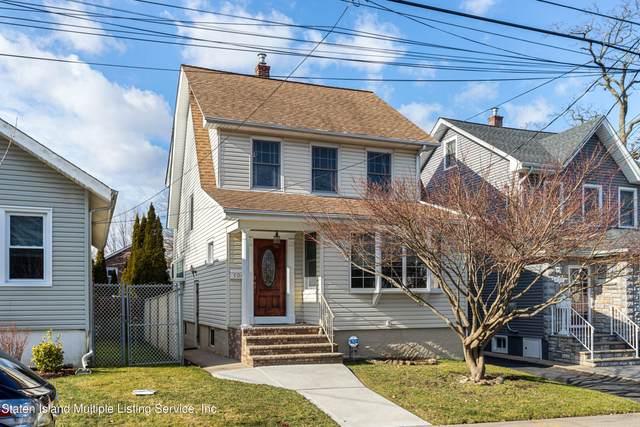 104 Lawrence Avenue, Staten Island, NY 10310 (MLS #1143305) :: Team Pagano
