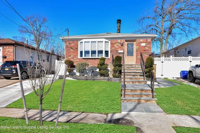 2109 North Railroad Avenue, Staten Island, NY 10306 (MLS #1144035) :: Laurie Savino Realtor