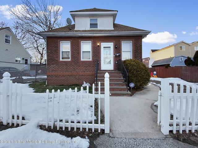 16 Wright Avenue, Staten Island, NY 10303 (MLS #1144038) :: Laurie Savino Realtor
