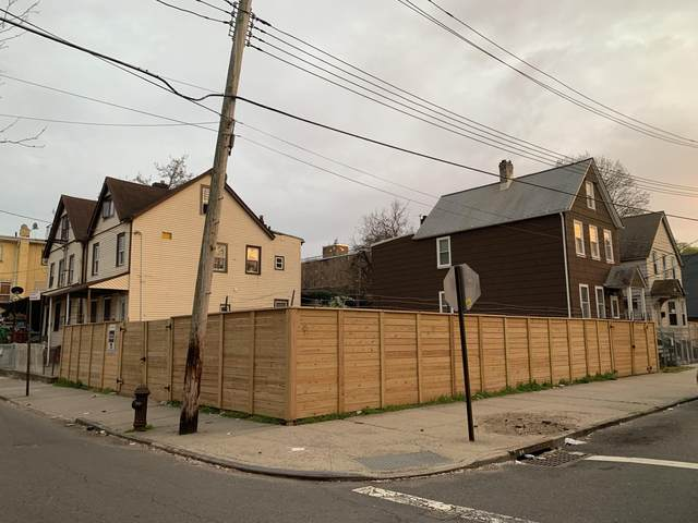 38 Cedar St, Staten Island, NY 10304 (MLS #1145266) :: Team Gio | RE/MAX
