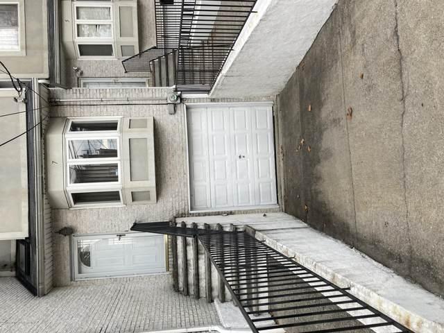 7 Father Capodanno Boulevard, Staten Island, NY 10304 (MLS #1146870) :: Team Gio | RE/MAX