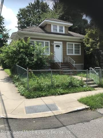 42 W Westbrook Avenue W, Staten Island, NY 10303 (MLS #1147819) :: Team Pagano