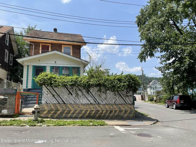 3 Bowen Street, Staten Island, NY 10304 (MLS #1147915) :: Team Pagano