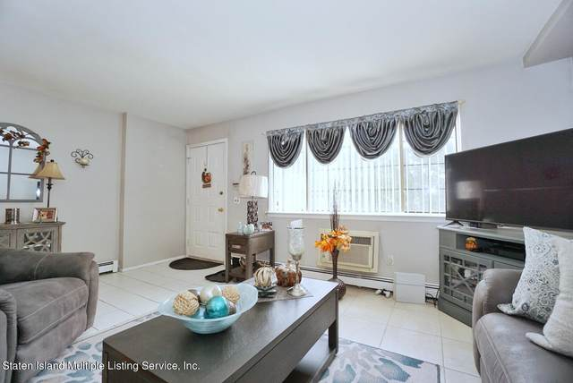 31 Franklin Lane A, Staten Island, NY 10306 (MLS #1149131) :: Laurie Savino Realtor