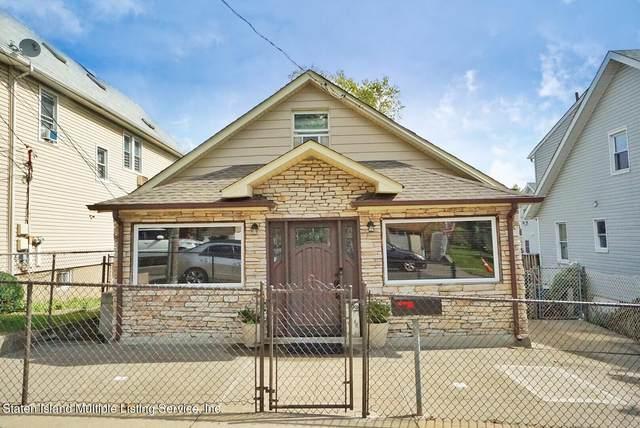 452 Home Avenue, Staten Island, NY 10305 (MLS #1149451) :: Laurie Savino Realtor