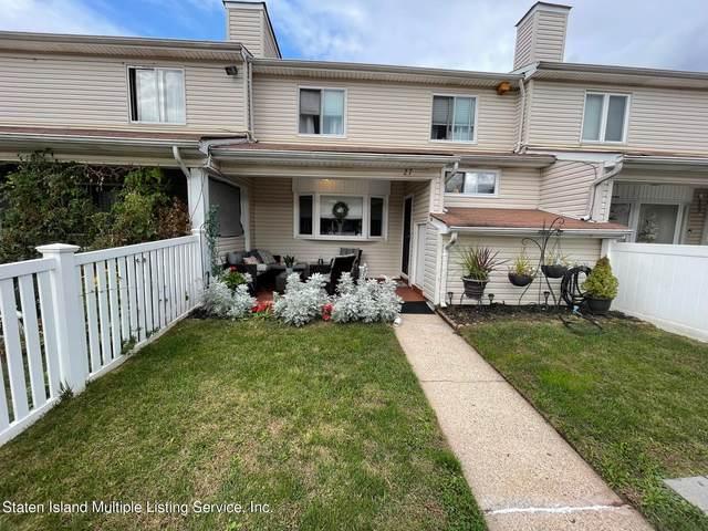 27 Regis Drive, Staten Island, NY 10314 (MLS #1150027) :: Team Gio | RE/MAX