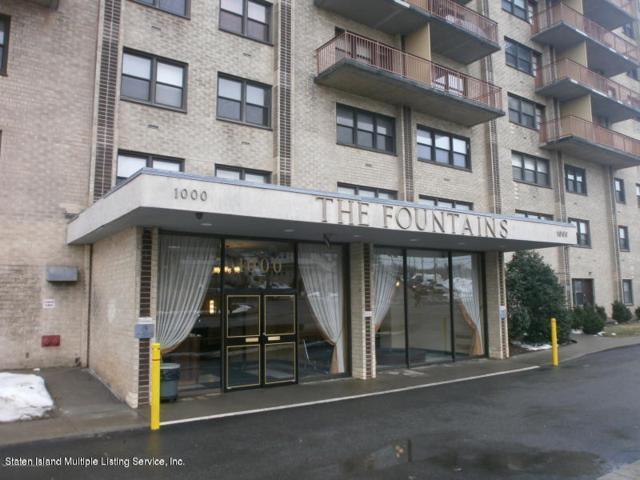 1000 Clove Road 9M, Staten Island, NY 10301 (MLS #1127541) :: RE/MAX Edge