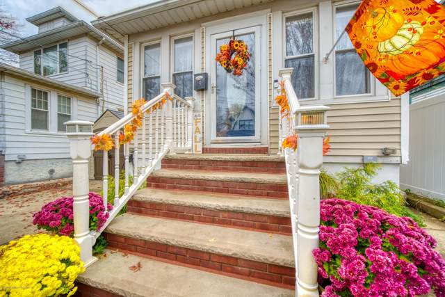19 Clark Place, Staten Island, NY 10302 (MLS #1142118) :: Team Gio | RE/MAX