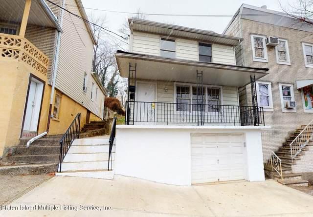 11 Van Tuyl Street, Staten Island, NY 10301 (MLS #1142590) :: Team Pagano