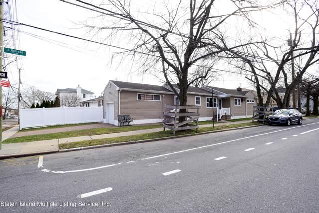 944 S Railroad Avenue, Staten Island, NY 10306 (MLS #1143333) :: Team Pagano