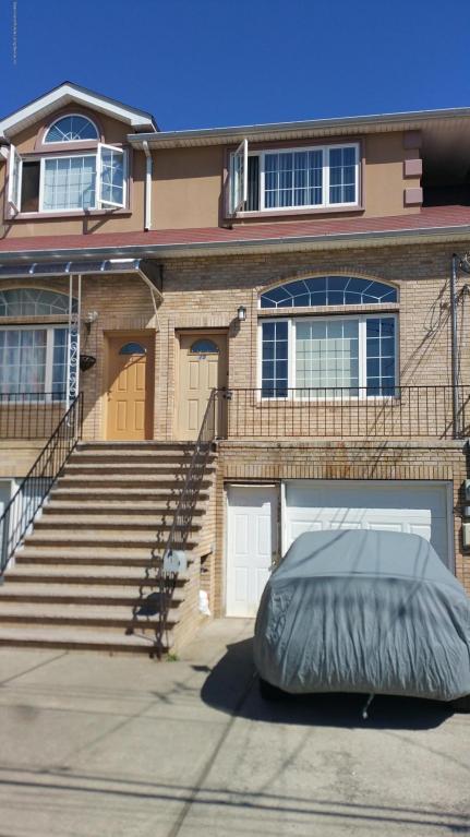 15 Doty Avenue, Staten Island, NY 10305 (MLS #1110015) :: The Napolitano Team at RE/MAX Edge
