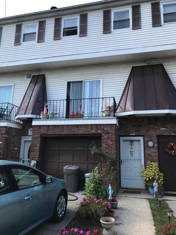 1700 Forest Hill Road, Staten Island, NY 10314 (MLS #1113712) :: The Napolitano Team at RE/MAX Edge