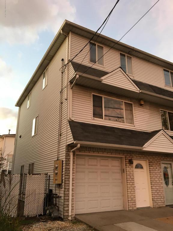 155 Father Capodanno Boulevard, Staten Island, NY 10305 (MLS #1114637) :: The Napolitano Team at RE/MAX Edge