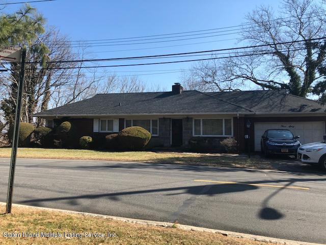 360 Flagg Place, Staten Island, NY 10304 (MLS #1117008) :: The Napolitano Team at RE/MAX Edge