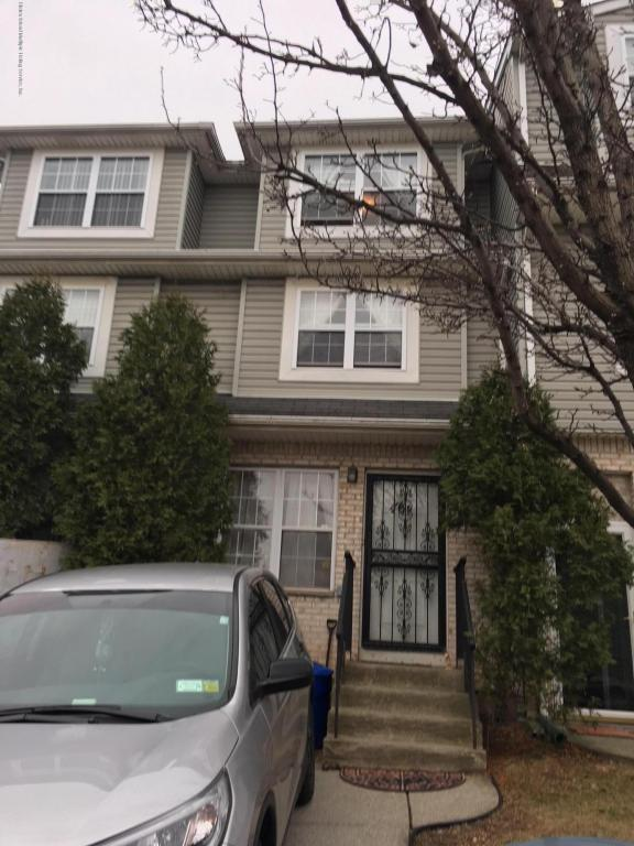 46 Circle Loop D, Staten Island, NY 10304 (MLS #1117331) :: The Napolitano Team at RE/MAX Edge
