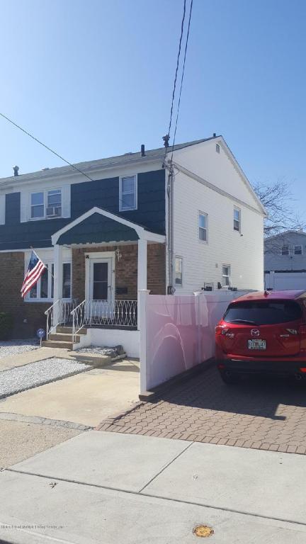 74 Redgrave Avenue, Staten Island, NY 10306 (MLS #1117348) :: The Napolitano Team at RE/MAX Edge
