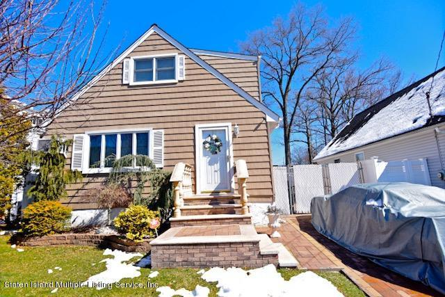 869 Marcy Avenue, Staten Island, NY 10309 (MLS #1117481) :: The Napolitano Team at RE/MAX Edge