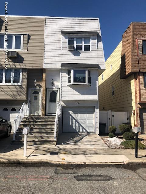 20 Yucca Drive, Staten Island, NY 10312 (MLS #1117719) :: The Napolitano Team at RE/MAX Edge