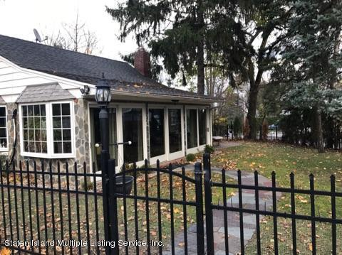 105 East Loop Road, Staten Island, NY 10304 (MLS #1117748) :: The Napolitano Team at RE/MAX Edge
